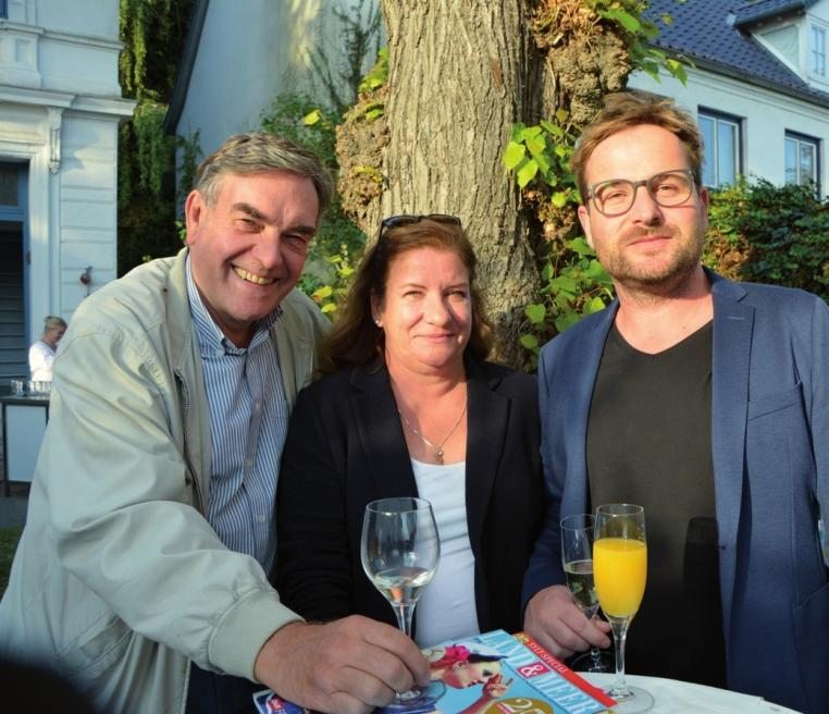 "Verleger Klaas Jarchow, Verlegerin Undine Schaper und Adrian Weinhold, ""Seaside""-Chefredakteur"