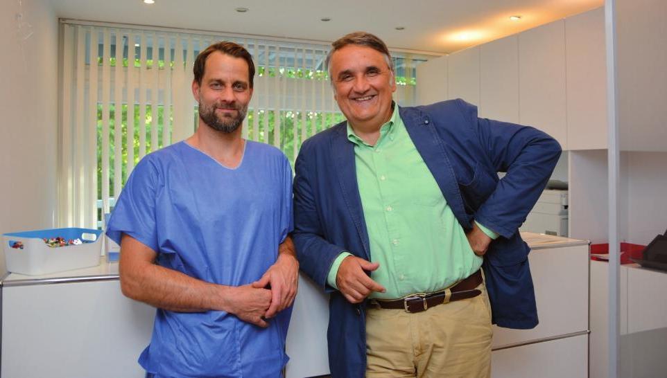 Dr. med. Björn Schinkel und Dr. med. Christo Alexiev in ihrer Praxis in der Julius-Brecht-Straße