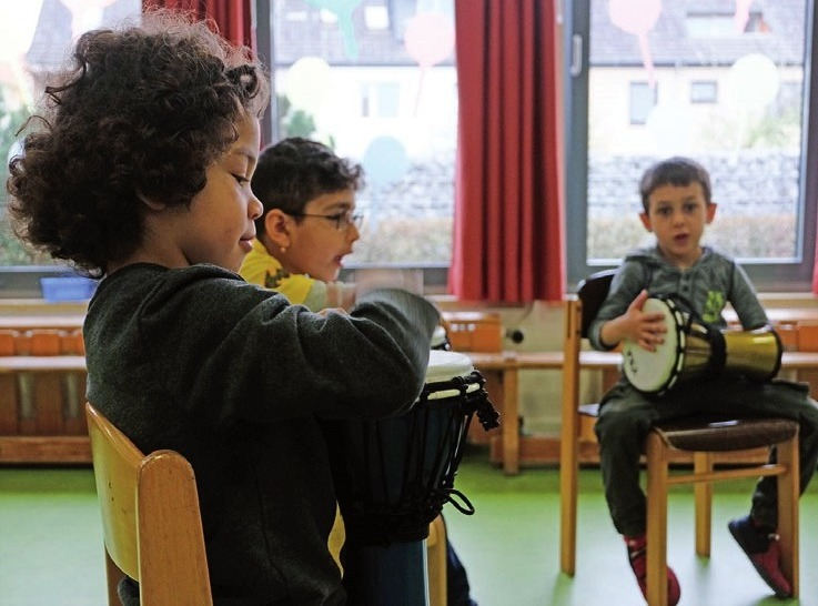 Die Kroschke Kinderstiftung finanziert musische Therapie für Kinder