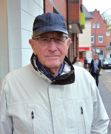 """Gerd Schreiber, 90, aus Groß Flottbek """"Die Leute haben heutzutage ganz andere Sorgen, weil sich die Welt negativ verändert. Da kann die ausgelebte Religion wenig verändern. Ich selbst bin vor Jahren aus der Kirche ausgetreten, weil mir die Kirchensteuer zu hoch war. Meine Enkelin ist aus demselben Grund ausgetreten."""""""