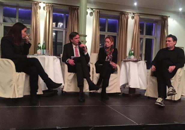 Sabine Frank (Google Deutschland), Johann Riekers (CDU Elbvororte), Schleswig-Holsteins Bildungsministerin Karin Prien und Dr. Ole Wintermann (Bertelsmann-Stiftung) im Ballsaal des SüllbergsFOTO: CDU