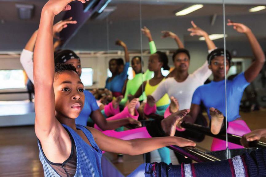 Kinder aus dem Armenviertel schöpfen bei Dance for all mittels Tanz Kraft für ihre Zukunft