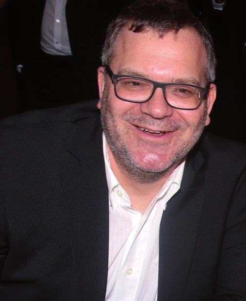 Der Moderator Elton saß auch mit am Roulettetisch, FOTO: GUTE LEUDE