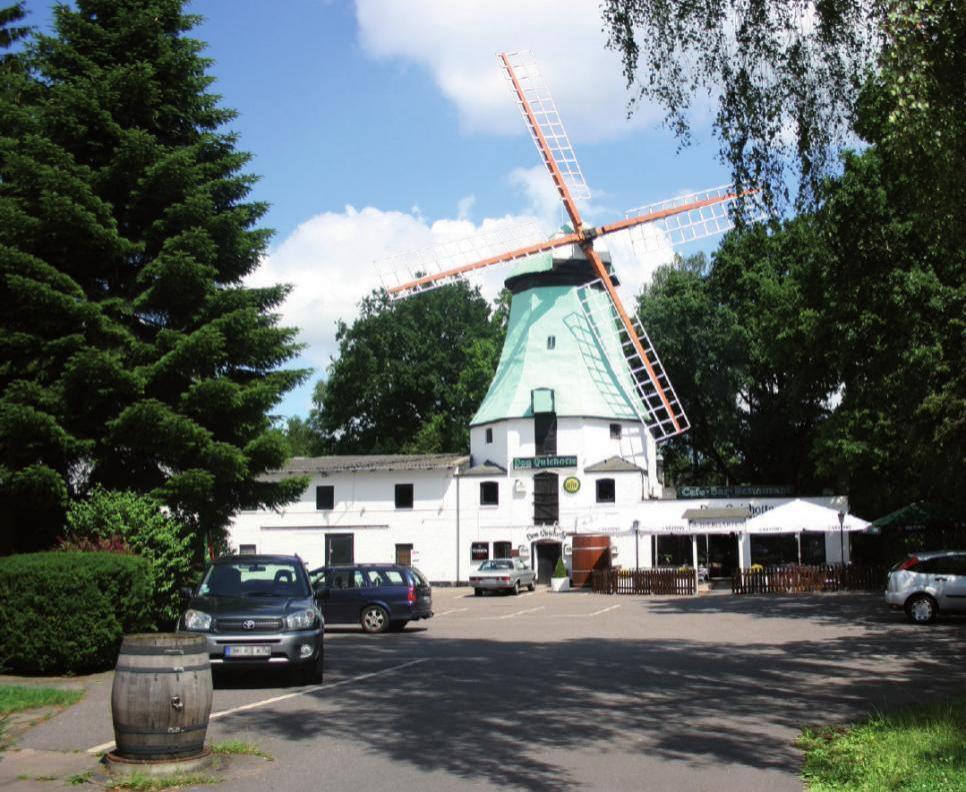 Die berühmte Osdorfer Mühle ist eines der Wahrzeichen des Stadtteils
