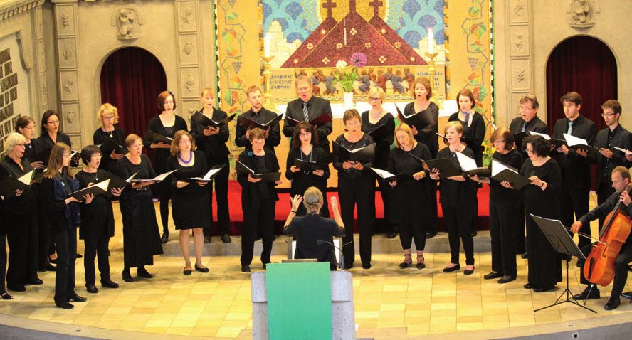 Der Alumni-Chor bei einem Konzert im Sommer