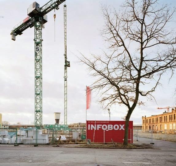 Infobox auf der Baustelle der Neuen Mitte Altona, 2017.FOTO: JOHANNA KLIER
