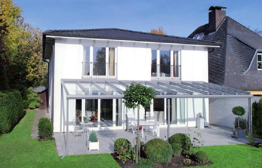 C&L-Terrassendach aus pulverbeschichtetem Aluminium FOTO: HELGE HAMMERMANN