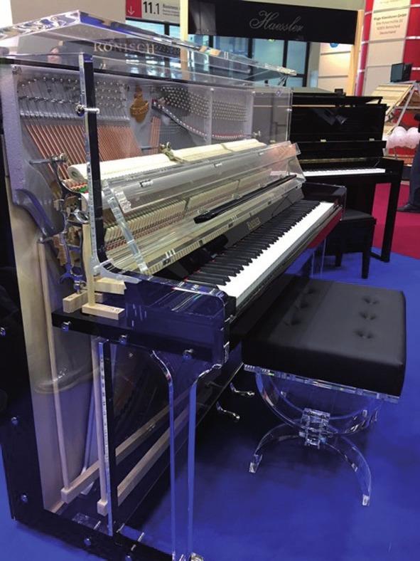 Neuer Trend: Blüthner präsentiert ein Klavier aus Glas
