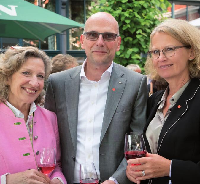 Dr. Christa Wilcke mit Dr. Rainer Süßenguth und Ehefrau Susanne