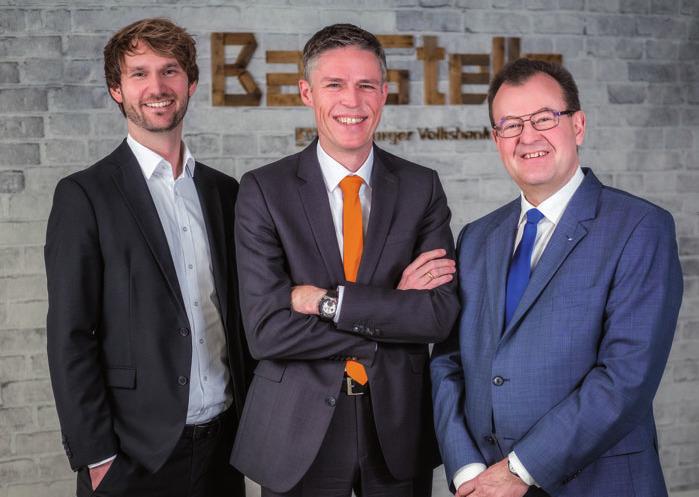 Immobilien-Trio: Daniel Richrath (Hamburger Volksbank Immo - bilien), Frank Oetjen und Wolfgang Voss von der Hamburger Volksbank FOTO: ©OLIVER NIMZ