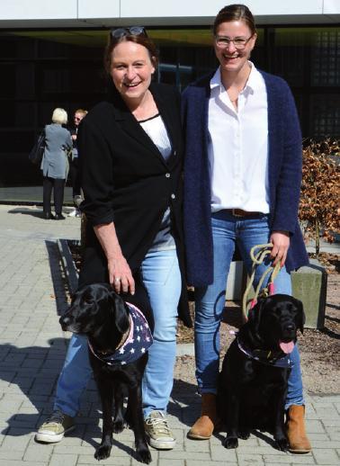 Lehrerinnen Zita Brussock mit Polli und Imke Thieme mit Marli