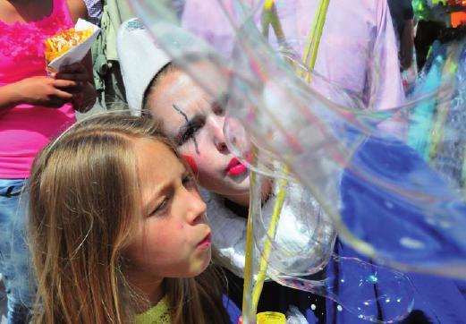 Beim Hafenfest in Wedel gibt es ein buntes Programm für die ganze Familie
