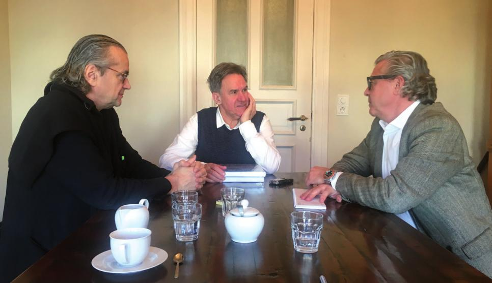 Ulrich Waller und Thomas Collien im Gespräch mit Helmut Schwalbach (Mitte)